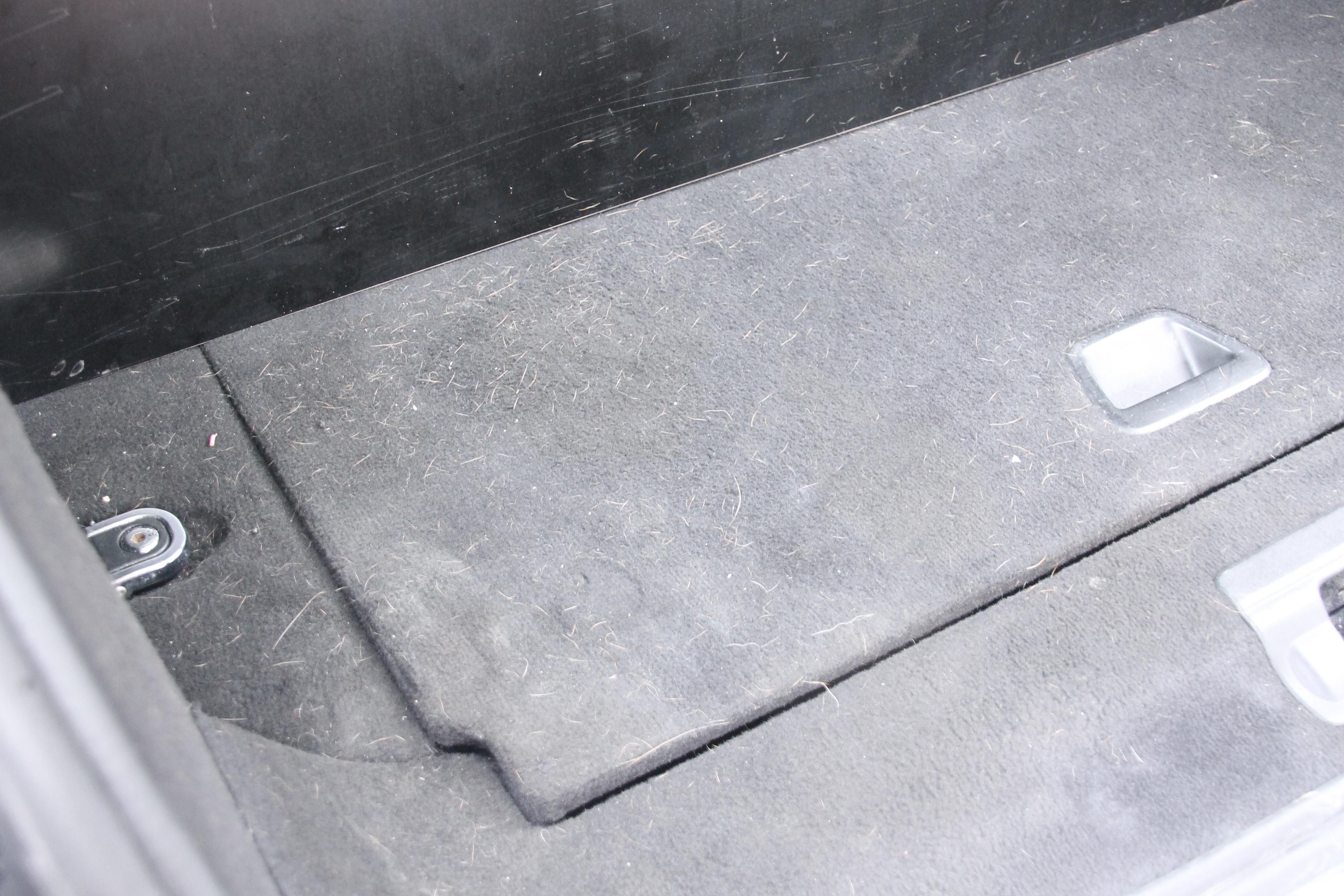 Interieur reinigen van uw auto bij hand carwash turnhout for Interieur reinigen auto